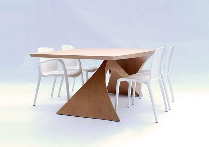 Стол из цельного куска древесины от Даана Малдера                                                                                             3