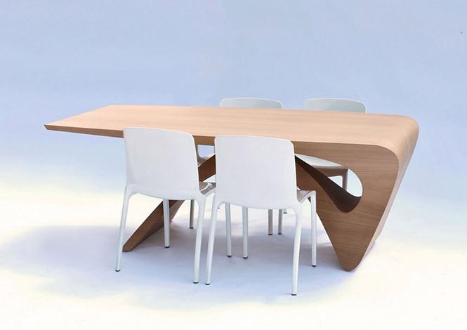 Голландский дизайнер Даан Малдер (Daan Mulder), разработал дизайн стола который является частью коллекции мебели Form Follows Function.  Стол из цельного куска древесины от Даана Малдера                                                                                             4
