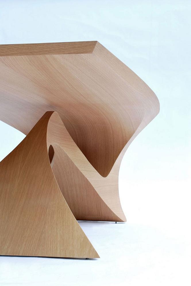 Голландский дизайнер Даан Малдер (Daan Mulder), разработал дизайн стола который является частью коллекции мебели Form Follows Function.  Стол из цельного куска древесины от Даана Малдера                                                                                             5