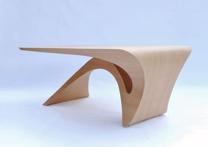 Голландский дизайнер Даан Малдер (Daan Mulder), разработал дизайн стола который является частью коллекции мебели Form Follows Function.  Стол из цельного куска древесины от Даана Малдера                                                                                             6