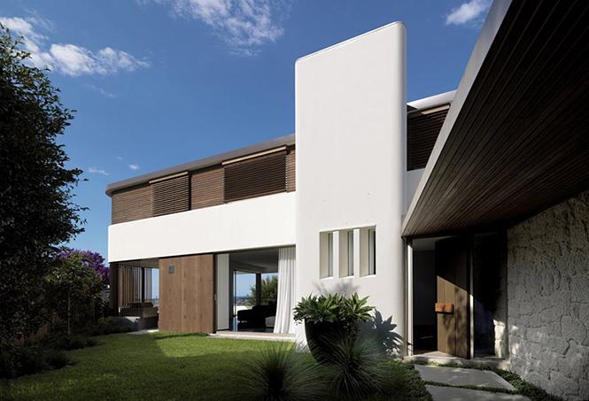 Архитектурная студия Luigi Rosselli выполнила дизайн частного дома Balcony Over Bronte в Сиднее, Австралия.  Частный дом Balcony Over Bronte от студии Luigi Rosselli                       Balcony Over Bronte                   Luigi Rosselli 2