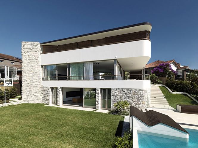 Архитектурная студия Luigi Rosselli выполнила дизайн частного дома Balcony Over Bronte в Сиднее, Австралия.  Частный дом Balcony Over Bronte от студии Luigi Rosselli                       Balcony Over Bronte                   Luigi Rosselli 3