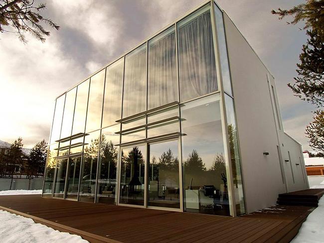 Архитектор Андрей Тигунцев (Andrey Tiguntsev) представил потрясающий проект стеклянный дом.    стеклянный дом в Иркутской области - Андрей Тигунцев                                                                  3
