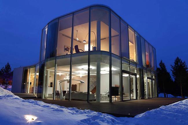 Архитектор Андрей Тигунцев (Andrey Tiguntsev) представил потрясающий проект стеклянный дом.    стеклянный дом в Иркутской области - Андрей Тигунцев                                                                  4