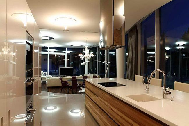Архитектор Андрей Тигунцев (Andrey Tiguntsev) представил потрясающий проект стеклянный дом.    стеклянный дом в Иркутской области - Андрей Тигунцев                                                                  5
