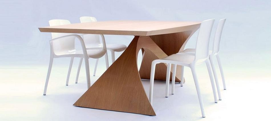 Стол из цельного куска древесины от Даана Малдера slider15
