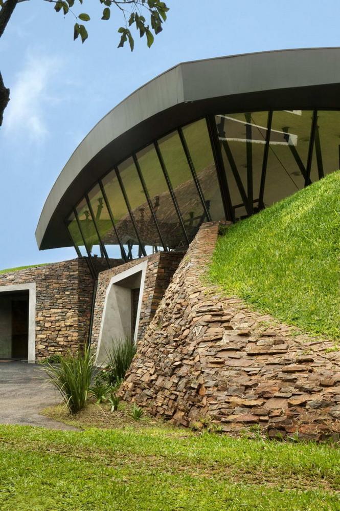 Два дома в Луке (Two Homes in Luque) в Парагвае от BAUEN. В этом проект авторы пытаются найти защищённое пространство для человека с учётом топографии, растительности и тропического климата, предлагая реальное биоклиматическое решение, обращающееся к традиционному для Парагвая образу жизни в гармонии с окружающей средой.  Два дома в Луке (Two Homes in Luque) в Парагвае от BAUEN                             Two Homes in Luque                          BAUEN 16