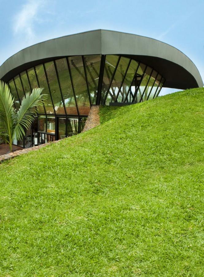 Два дома в Луке (Two Homes in Luque) в Парагвае от BAUEN. В этом проект авторы пытаются найти защищённое пространство для человека с учётом топографии, растительности и тропического климата, предлагая реальное биоклиматическое решение, обращающееся к традиционному для Парагвая образу жизни в гармонии с окружающей средой.  Два дома в Луке (Two Homes in Luque) в Парагвае от BAUEN                             Two Homes in Luque                          BAUEN 8