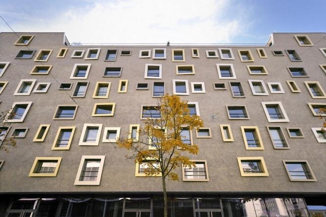 Архитектурное бюро Camenzind Evolution в плотном сотрудничестве со своим клиентом, компанией Swiss Life, создали уникальный проект жилого комплекса на 45 индивидуальных квартир. Основной задачей было разработать квартиры, которые бы обладали индивидуальностью  Жилой Дом с Нескучными Фасадами от Camenzind Evolution                                                                 Camenzind Evolution 12