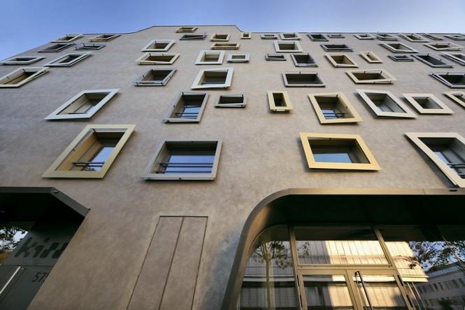 Архитектурное бюро Camenzind Evolution в плотном сотрудничестве со своим клиентом, компанией Swiss Life, создали уникальный проект жилого комплекса на 45 индивидуальных квартир. Основной задачей было разработать квартиры, которые бы обладали индивидуальностью  Жилой Дом с Нескучными Фасадами от Camenzind Evolution                                                                 Camenzind Evolution 14