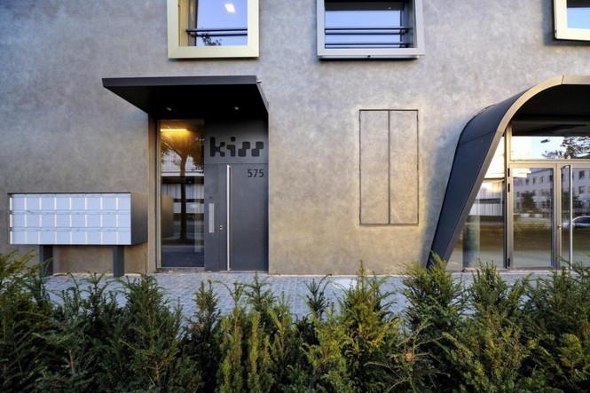 Архитектурное бюро Camenzind Evolution в плотном сотрудничестве со своим клиентом, компанией Swiss Life, создали уникальный проект жилого комплекса на 45 индивидуальных квартир. Основной задачей было разработать квартиры, которые бы обладали индивидуальностью  Жилой Дом с Нескучными Фасадами от Camenzind Evolution                                                                 Camenzind Evolution 22