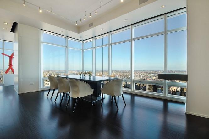 Представленный пентхаус расположен на 42 этаже Башни Блумберга (Bloomberg Tower) в центре Манхэттена, Нью-Йорк, США.  Пентхаус в Башне Блумберга на Манхэттене от Сюзаны Ловелл                                                                                                            10