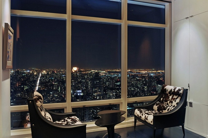 Представленный пентхаус расположен на 42 этаже Башни Блумберга (Bloomberg Tower) в центре Манхэттена, Нью-Йорк, США.  Пентхаус в Башне Блумберга на Манхэттене от Сюзаны Ловелл                                                                                                            11
