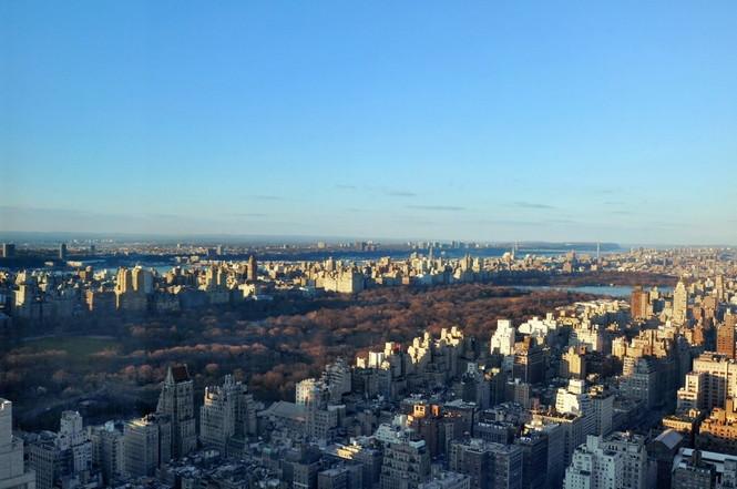 Представленный пентхаус расположен на 42 этаже Башни Блумберга (Bloomberg Tower) в центре Манхэттена, Нью-Йорк, США.  Пентхаус в Башне Блумберга на Манхэттене от Сюзаны Ловелл                                                                                                            13