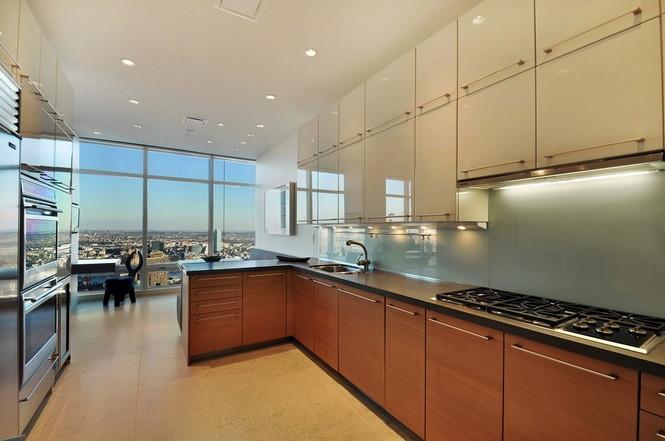 Представленный пентхаус расположен на 42 этаже Башни Блумберга (Bloomberg Tower) в центре Манхэттена, Нью-Йорк, США.  Пентхаус в Башне Блумберга на Манхэттене от Сюзаны Ловелл                                                                                                            2