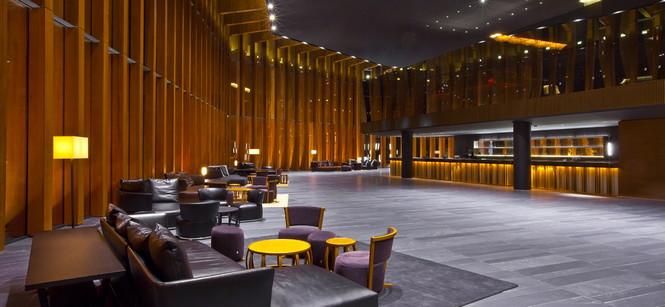 """Barvikha Hotel & Spa предлагает своим гостям провести несколько незабываемых дней. Барвиха Luxury Village также выбивается из типового ряда пейзажей, рождаемых в моем воображении словом """"Рублевка""""."""