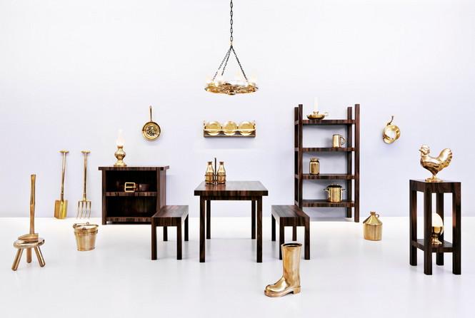 """Мебельная компания Studio Job официально представила свою коллекцию в которой появились невероятно оригинальные стулья созданные в готическом стиле 16 века, которые впоследствии были названи действительно """"Готическими"""""""