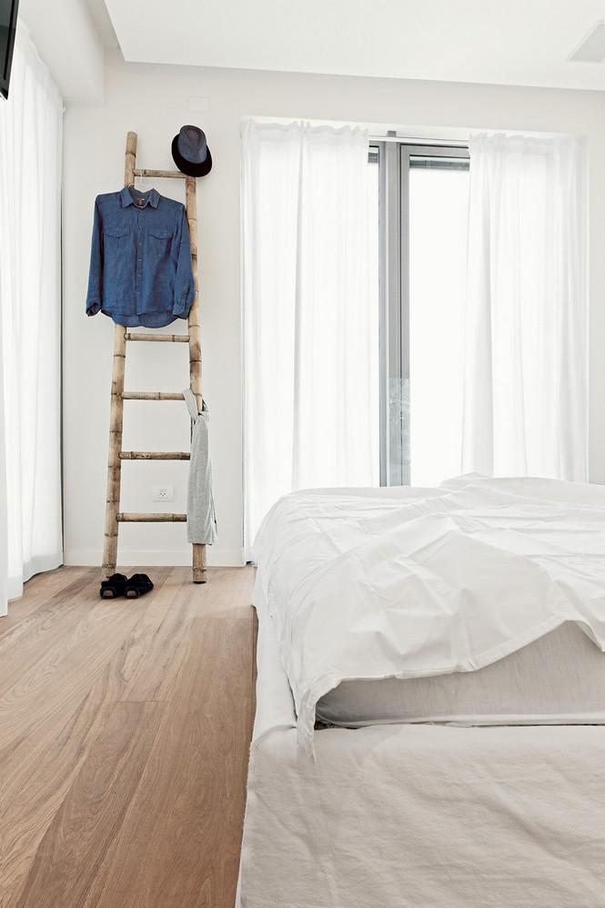 Проектное бюро GammaArc Group представило проект TLV Apartments3 Современные апартаменты площадью 150 кв метров расположены на 22 этаже одной из высоток в Тель-Авиве  Апартаменты в Тель-Авиве от GammaArc Group                                                    GammaArc Group 13