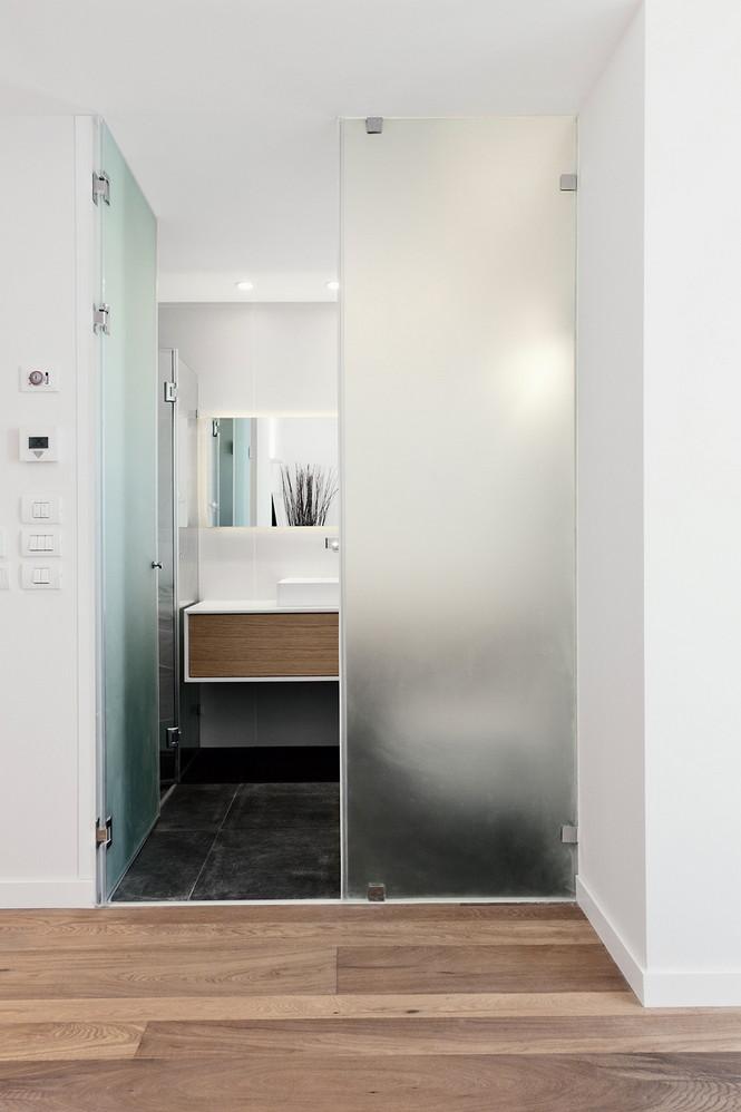 Проектное бюро GammaArc Group представило проект TLV Apartments3 Современные апартаменты площадью 150 кв метров расположены на 22 этаже одной из высоток в Тель-Авиве  Апартаменты в Тель-Авиве от GammaArc Group                                                    GammaArc Group 14