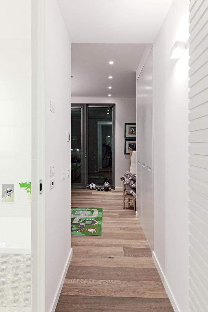Проектное бюро GammaArc Group представило проект TLV Apartments3 Современные апартаменты площадью 150 кв метров расположены на 22 этаже одной из высоток в Тель-Авиве  Апартаменты в Тель-Авиве от GammaArc Group                                                    GammaArc Group 16