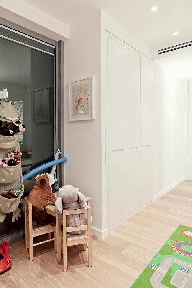 Проектное бюро GammaArc Group представило проект TLV Apartments3 Современные апартаменты площадью 150 кв метров расположены на 22 этаже одной из высоток в Тель-Авиве  Апартаменты в Тель-Авиве от GammaArc Group                                                    GammaArc Group 17