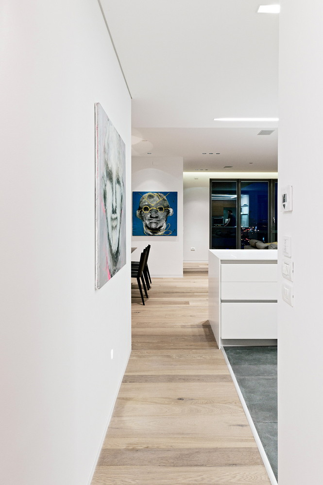 Проектное бюро GammaArc Group представило проект TLV Apartments3 Современные апартаменты площадью 150 кв метров расположены на 22 этаже одной из высоток в Тель-Авиве  Апартаменты в Тель-Авиве от GammaArc Group                                                    GammaArc Group 5