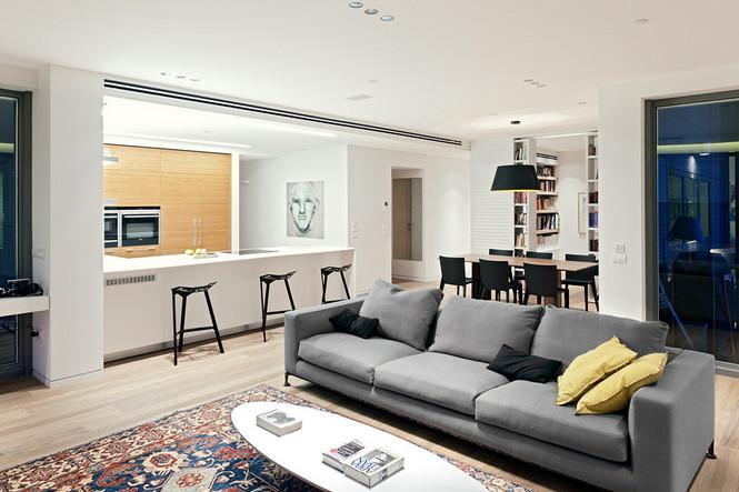 Проектное бюро GammaArc Group представило проект TLV Apartments3 Современные апартаменты площадью 150 кв метров расположены на 22 этаже одной из высоток в Тель-Авиве  Апартаменты в Тель-Авиве от GammaArc Group                                                    GammaArc Group 6