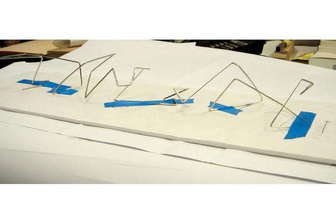 Брэд Питт решил выпустить собственную серию...мебели.  Питт со школьных лет увлекается архитектурой и дизайном. ему всегда нравилось проектировать какие-то вещи.