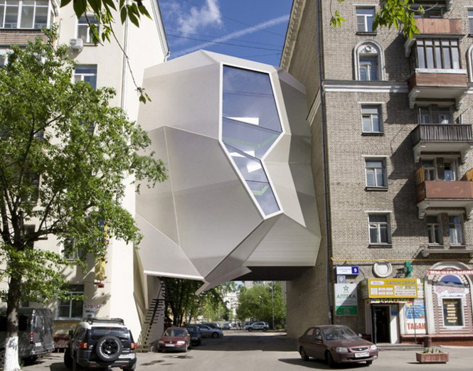 В конце мая в Москве, za bor архитекторы представили отличнаю идею эффективного использования населенных пунктов - Parasite Office.