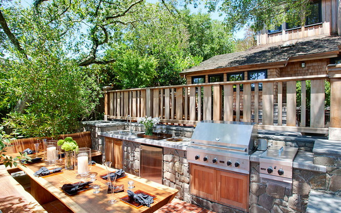 Резиденция Ralston Avenue расположена в Калифорнии и является, пожалуй, самой уютной в мире. Пять спален, открытые зоны отдыха и террасы, бассейн и красивая природа вокруг — все это досталось счастливому обладателю за $4,85 миллиона