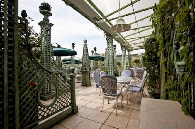 10 самых уютных открытых площадок на крышах - обзор лучших летних площадок.