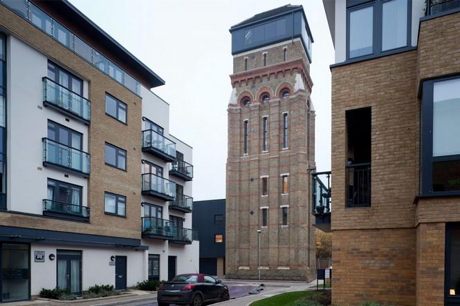 Готическая водонапорная башня в Лондоне построена в 1877 году была куплена и превращена в роскошный дом, который имеет четыре спальни с прекрасным видом Лондона.  Готическая водонапорная башня превратилась в роскошный дом                                                                                                                1