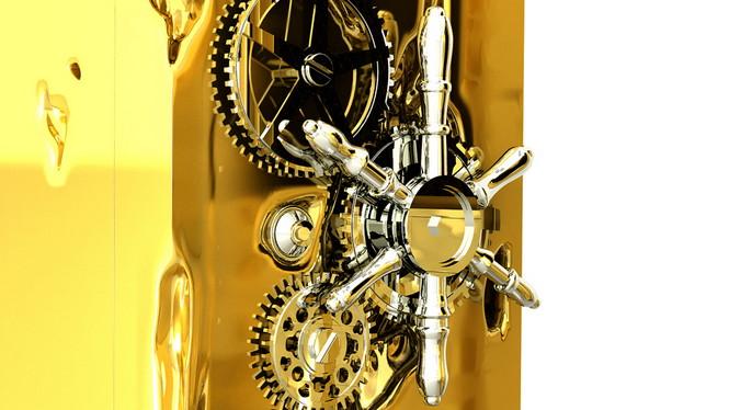 Португальская компания Boca do Lobo, которая специализируется на производстве дизайнерской мебели, создала сейф из чистого золота Millionaire Safe.