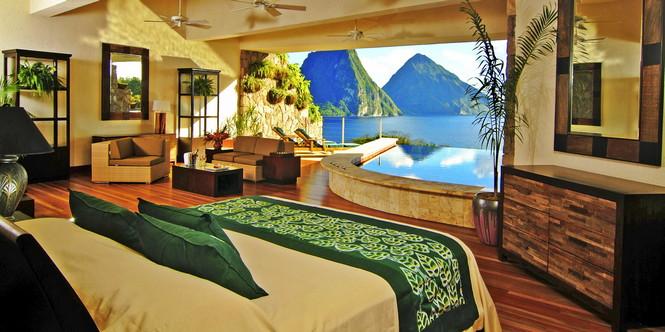 Остров Сент-Люсия на границе Атлантического океана и Карибского моря известен как место, которое идеально подходит для приключений и романтики. Именно здесь, на горе с прекрасным видом на лазурную водную гладь, и расположен отель Jade Mountain.