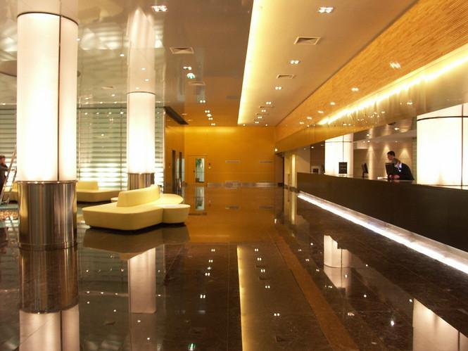 5-звёздочный отель Мираж с роскошными номерами и великолепным гостеприимством идеально расположился в прекрасном месте недалеко от многих достопримечательностей Казани.