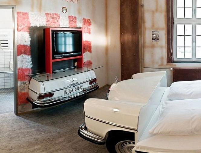Отель V8 в Штутгарте для любителей автомобилей           2