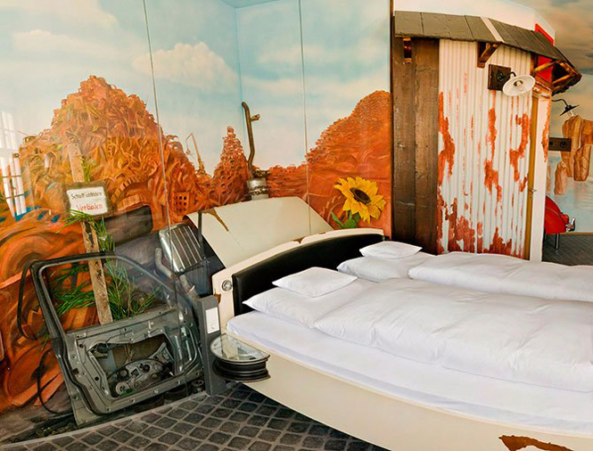 Отель V8 в Штутгарте для любителей автомобилей           6