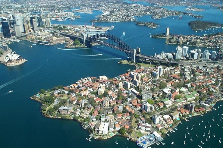 Самые дорогие города мира согласно Economist Intelligence Unit             1