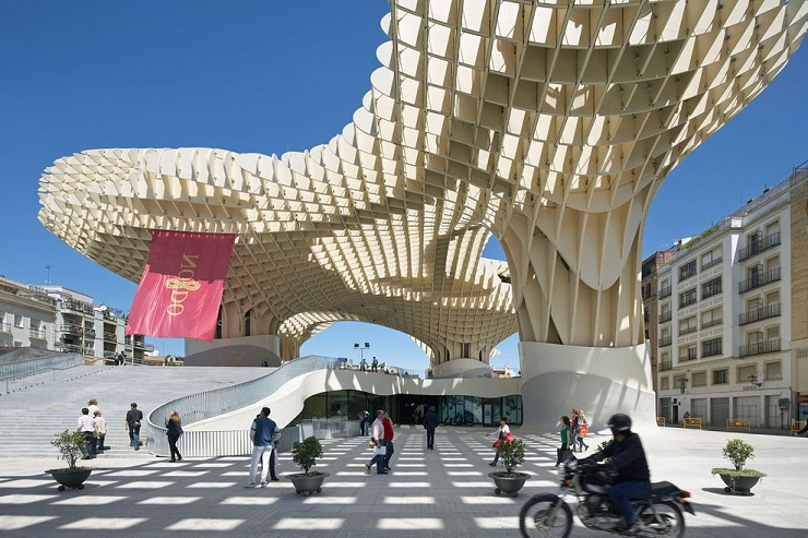 Самые яркие объекты современной архитектуры 2013 metropol parasol 1 9