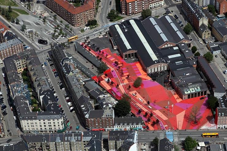 Самые яркие объекты современной архитектуры 2013 superkilen 01