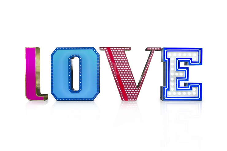 Новинка от португальского бренда Delightfull - композиция LOVE delightfull graphic lamp collection love 01