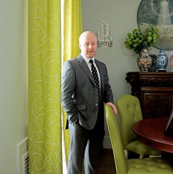 Кирилл Истомин- самый классичесий из всех русских декораторов и, возможно, самый образований KIRIL