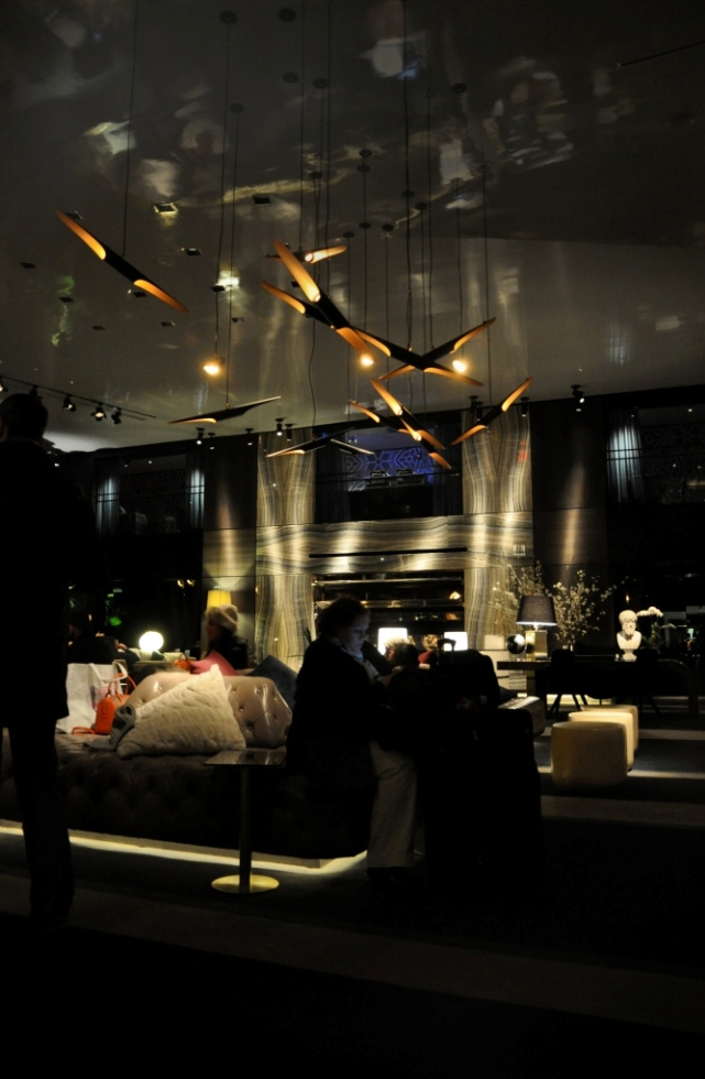 Лучшие- дизайнерские- проекты-люстры-Delightfull-Paramount-hotel-New-York