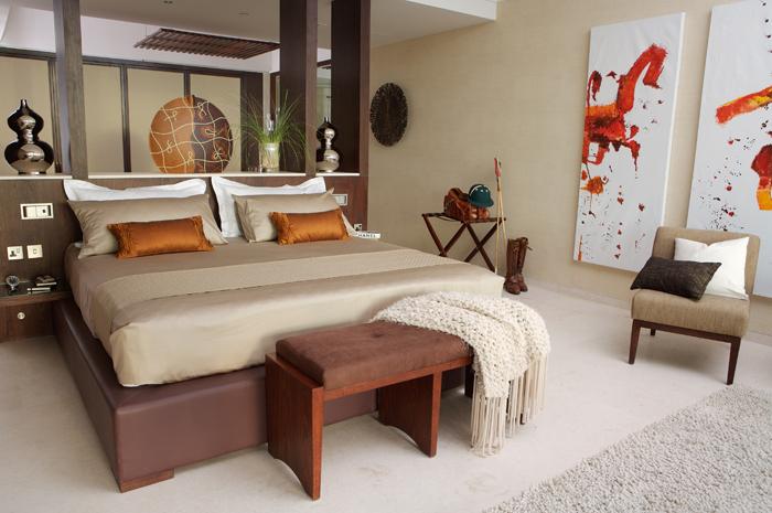 Guest Bedroom_700