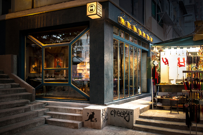 Элитный Французский ресторан в богемном стиле_18