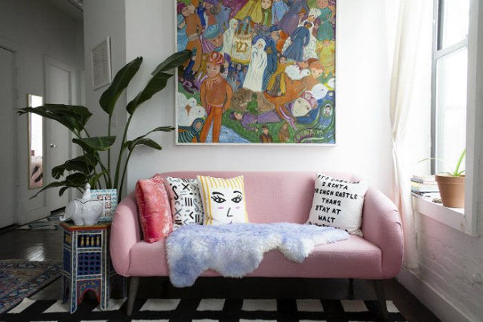 Вдохновение: Яркие и разноцветные диваны                                                                            01