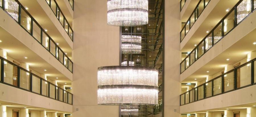 Faustig-Chandelier-e1453379212656  ТОП-10 дизайнерских светильников класса Люкс Faustig Chandelier e1454944467442