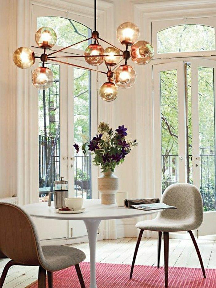 Один из самых классических современных круглых столов, с тонким основанием, поддерживающим круглую вершину, идеально подходит для декора небольших жилых помещений  ТОП 20 СОВРЕМЕННЫХ ОБЕДЕННЫХ СТОЛОВ 106