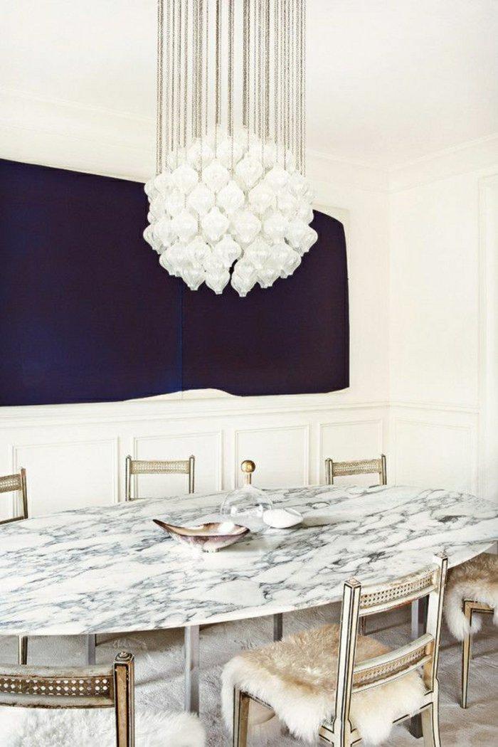 Мрамор это всегда удивительная идея в декорировании пространства, этот овальный обеденный стол выглядит более драгоценным благодаря белому камню и деталям что добавит вашей столовой элегантности и уникальности  ТОП 20 СОВРЕМЕННЫХ ОБЕДЕННЫХ СТОЛОВ 134