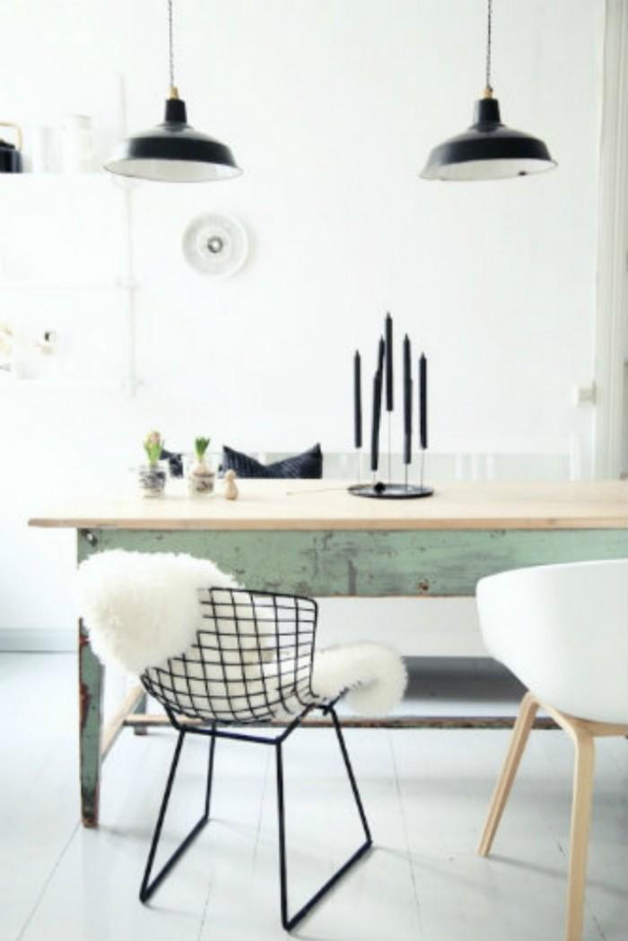 Уютный современный стол, в основе металический с деревянным верхом, что делает его идеальным для любого богемного домашнего декора.  ТОП 20 СОВРЕМЕННЫХ ОБЕДЕННЫХ СТОЛОВ 144 e1458839087643